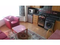 £920 pcm non inclusive, 1 bedroom furnished flat in Summertown - prime location, professionals only