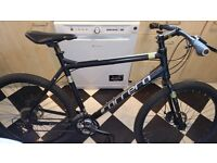 Hybrid mountain bike, disc brake, rarely used, 4 month old, in super amazing conditions as pictures