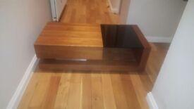 Mid oak / glass coffee table