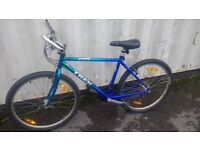 TREK 800 MOUNTAIN TRACK BICYCLE 21 SPEED 26 INCH WHEEL AVAILABLE FOR SALE