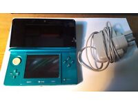 AQUA BLUE 3DS with 3Ds charger + case