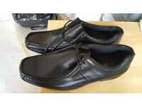 Shoes, mens size 9, brand new f+f