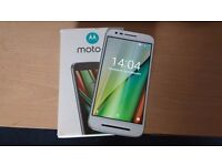 "MOTOROLA MOTO 3RD GEN 4G **UNLOCKED ANY SIM**WHITE 5"" HD SCREEN Android sma"