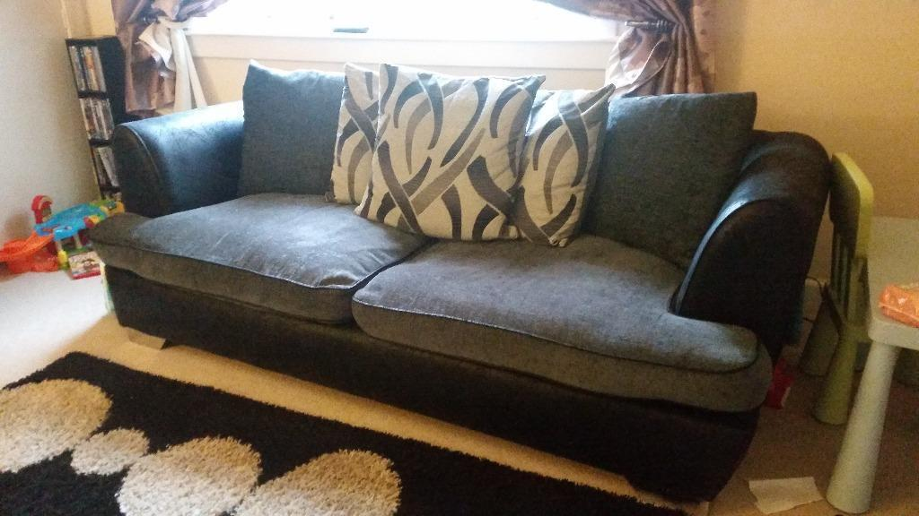 23 Seater Fabric Sofas I Have This Lovely Black And Silver