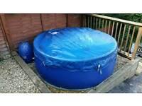 Lazy spa monocoque hot tub