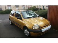 renault clio 1.2 mot failure rusty cross member £200 ono