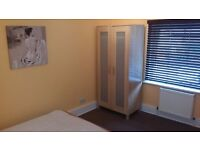 Double Room available in Springbourne