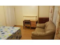 Fishponds all-inclusive double room, available immediately. Unlimited Wi-fi, common room, garden etc