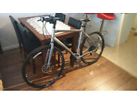 Trek FX 7.5 road/commuting bicycle mint condition 700c wheels