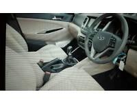 Hyundai tucson in Ara blue with beige leather
