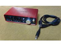 Focusrite Scarlett 2:2 USB Soundcard 2nd generation.