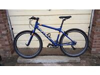 Mens Carrera Axle 21 gear hybrid bicycle + £35 gel seat frame size 18 inches