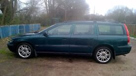 black leather interior,new brakes all round, mot 1/18,heated seats, cruise control,good condition