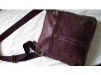 Fat face leather hanbag