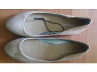 NEW Ladies Women's Flat Shoes size 7/40