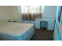 2 SPECIOUS DOUBLE/TWIN ROOM AVAILABLE FOR RENT IN A FLAT JUST NEXT TO WANSTEAD TUBE STATION