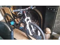 YETI asr c CARBON FIBRE DOWNHILL MOUNTAIN BIKE
