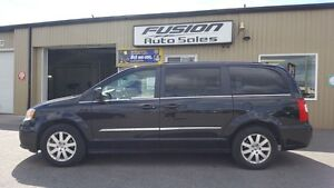 2015 Chrysler Town & Country DUAL DVD-BACK UP CAMERA-DUAL AIR/HE Windsor Region Ontario image 2