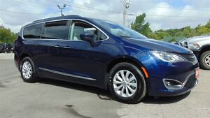 2017 Chrysler Pacifica TOURING -L    NAV- TOW GROUP- 9,400 KMS