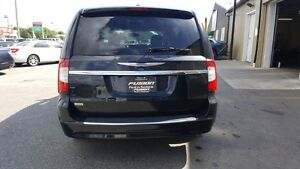 2015 Chrysler Town & Country DUAL DVD-BACK UP CAMERA-DUAL AIR/HE Windsor Region Ontario image 4