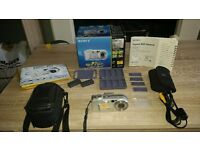 Sony Cybershot DSC P7 Digital camera with lots & lots of extras.