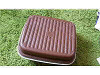 Large Tupper Ware Container