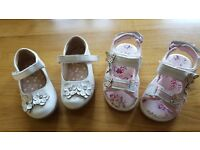2 Pairs of infant Size 5 Shoe's (Age approx 1-2 Yr old)