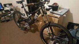 Specialized demo 9 down hill mountian bike