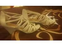 Ladies white sandles size 4