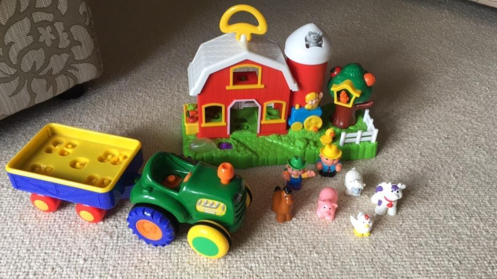 Fisher Price -old macdonald farm house and tractor set