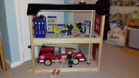 Wooden fire engine and station