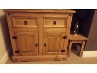 Solid wood 2 drawer 2 door cabinet