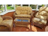 5 piece conservatory suite plus matching table & puffe