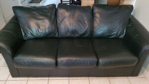 Leather bed chesterfield