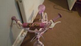 💓 girls princess disney bike 💓 £15 if gone today
