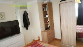 double room to let short and long term