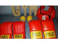 Punch bag with gloves, headguard &wrist straps