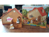GOOD AS NEW: SYLVANIAN FAMILIES LOG CABIN IN BOX