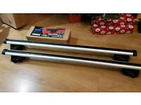 Thule roof bars with foot pack