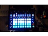 Novation Circuit drum machine sampler dj equipment