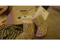 Ugg boots size 0/1 0 to 6 months