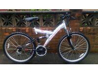 For sale mountain bike adults, full suspension, size wheels 26, bike full work.