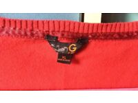 *HOUSE CLEARANCE* red GUESS sweater with glittering diamonds size XL