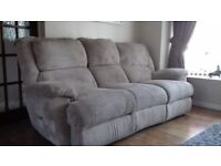 Electric recliner, 3 seater settee.