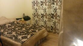 Double Room in a Beautiful House === Rent £600 PCM All Bills Included ===