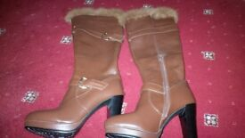 Brown size 7 boots New