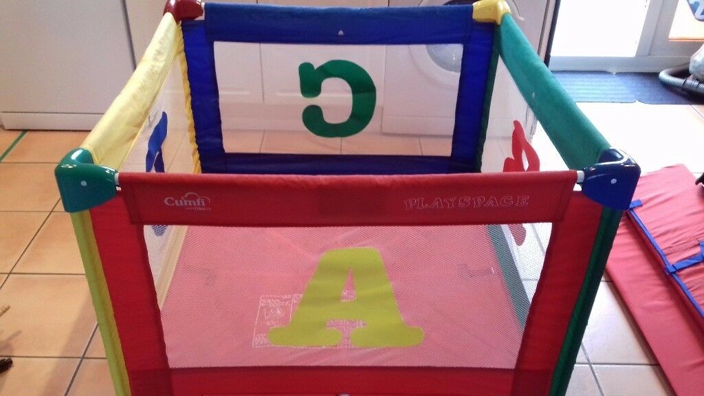 Large (extra large ) square play / travel cot