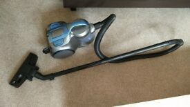VACUUM CLEANER - Good condition, guarantee included