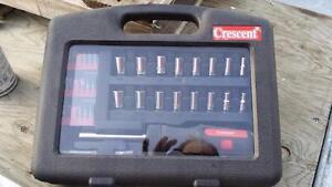Tourne vis Rachet Crescent avec douille métric et standard 7/32 a 1/2 et 5MM a 13MM