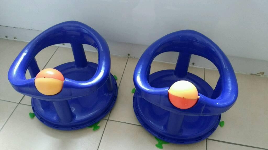 2 Bath seats